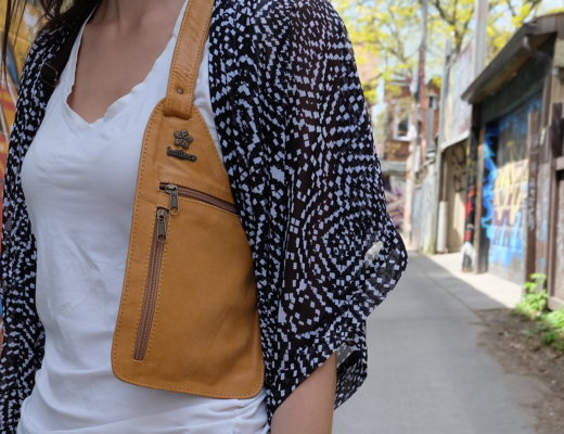 Safety travel purse on arm