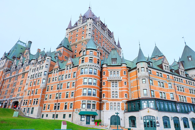 fairmont hotel quebec city twirl the globe. Black Bedroom Furniture Sets. Home Design Ideas
