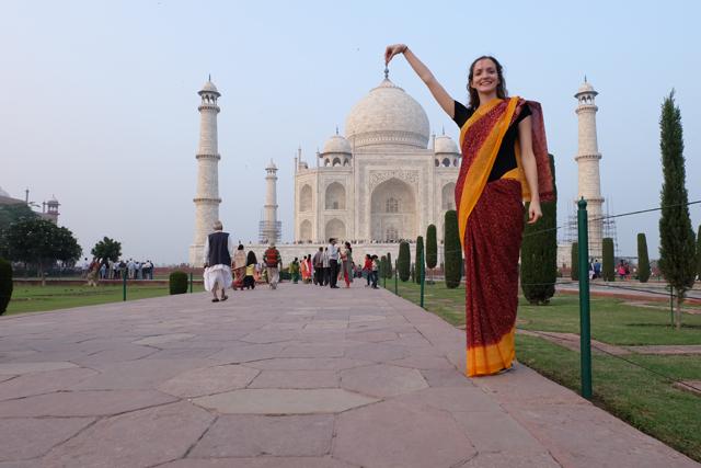 Lauren in front of the Taj Mahal in Agra, India
