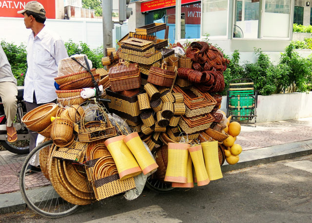 Ho-Chi-Minh-City-Bicycle-full-of-Baskets