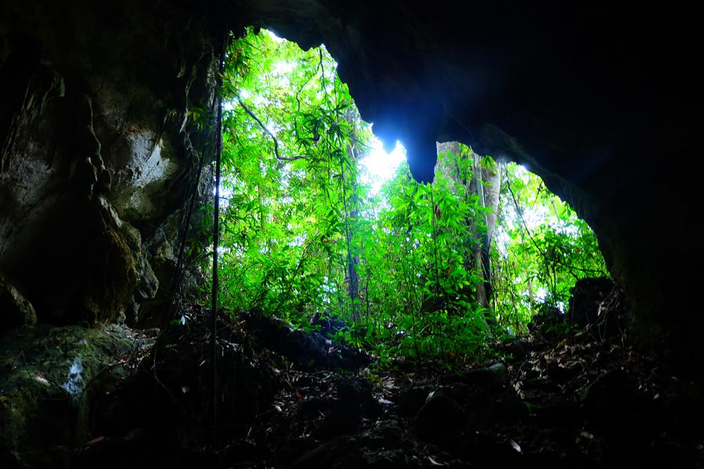 cave-hike